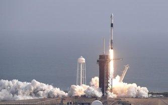 Společnost SpaceX na floridském mysu Canaveral úspěšně vyzkoušela nouzový záchranný systém