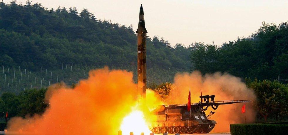 Komunistická Severní Korea odpálila sérii protilodních střel