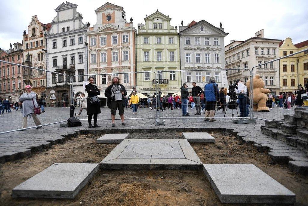 Zastupitelé Prahy odmítli povolit stavbu Mariánského sloupu