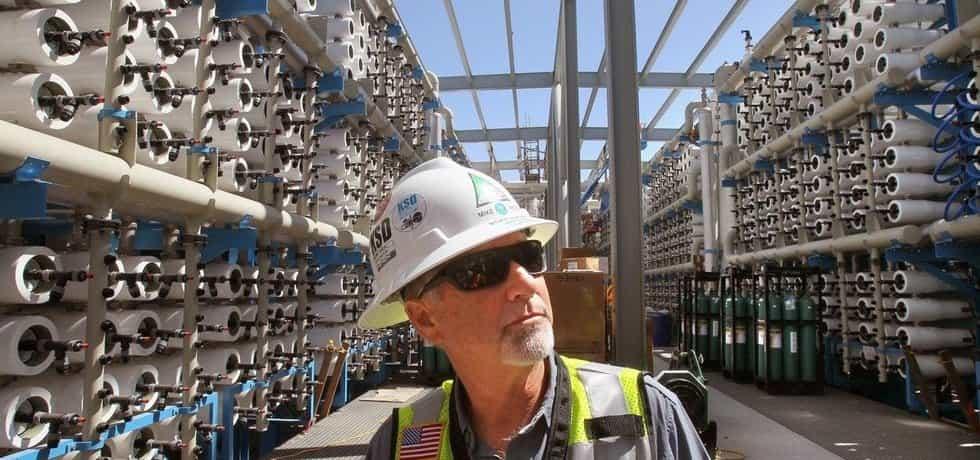 Stavba odsolovací továrny v Carlsbadu v Kalifornii, ilustrační foto