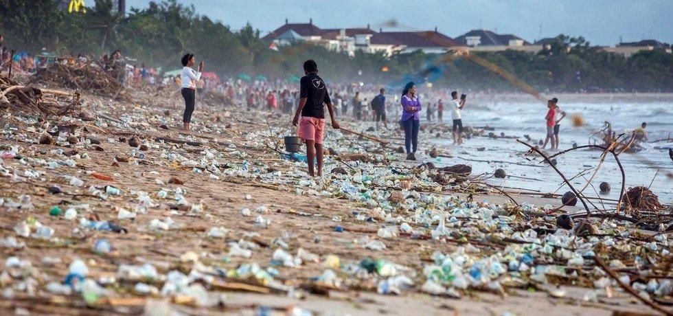 Znečištění plasty na ostrově Bali, ilustrační foto
