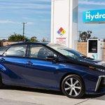 Toyota Mirai na vodíkový pohon.