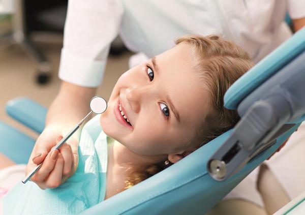 zubař, stomatologie, dítě