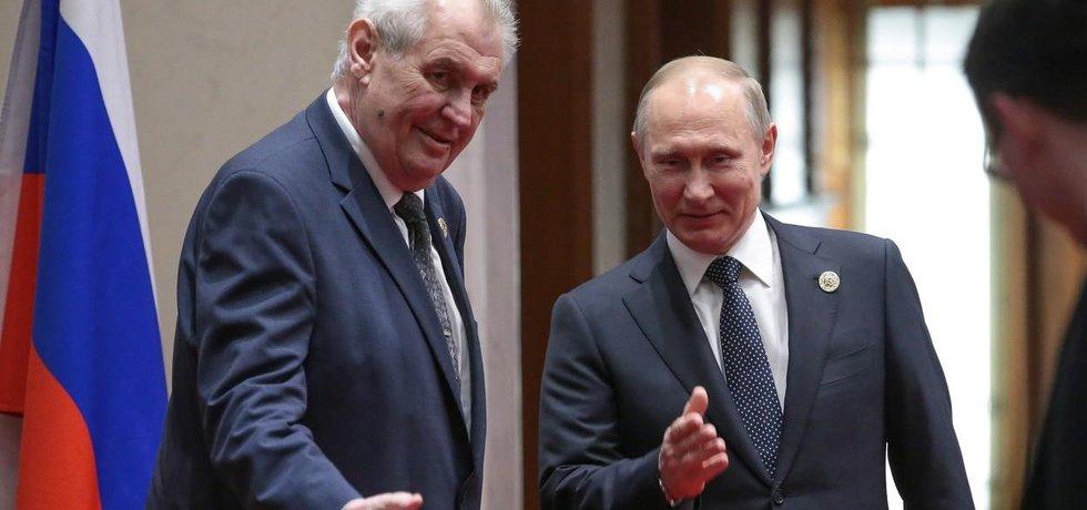 Miloš Zeman a Vladimi Putin na setkání v Číně