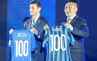 Čínský maloobchodní prodejce Suning slavnostně oznamuje převzetí Interu Milán