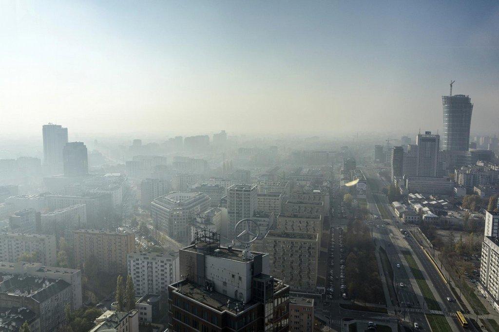Zimní smog ve Varšavě