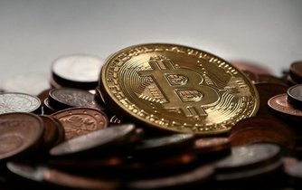 Manipulace s Bitcoinem. Růst ze 150 na 1000 dolarů mohl způsobit jediný člověk
