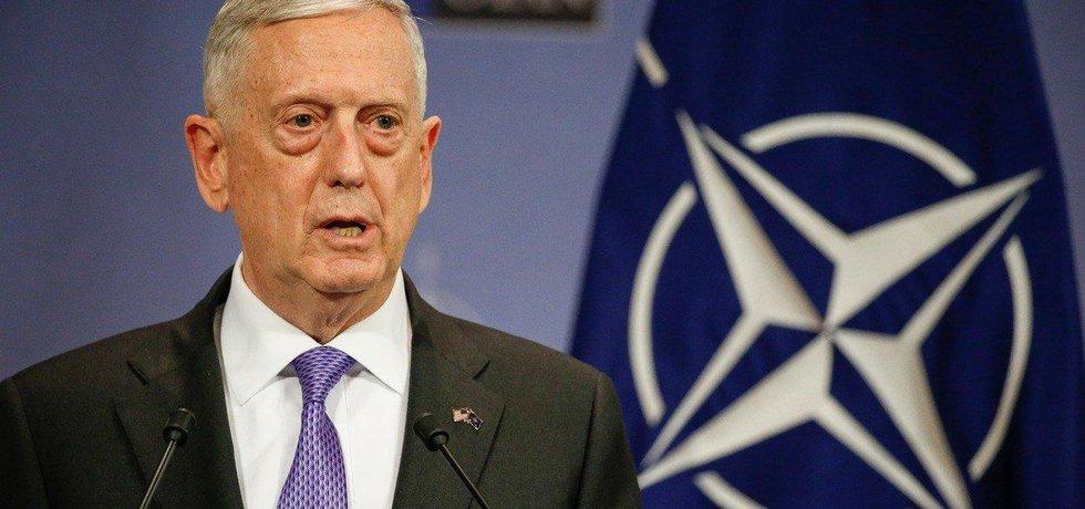 Americký ministr obrany Jim Mattis
