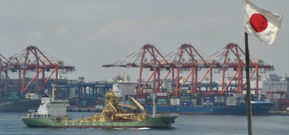 Nákladní přístav v Tokiu, ilustrační foto