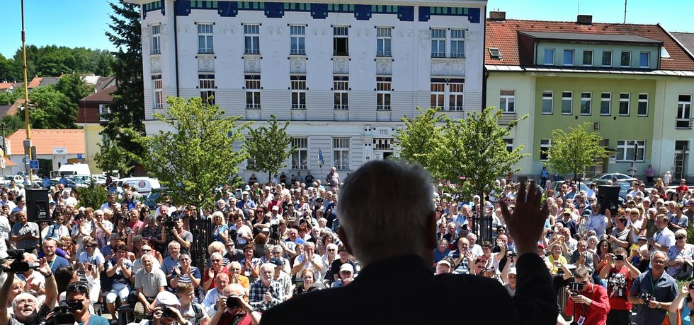 Miloš Zeman kvóty odmítá