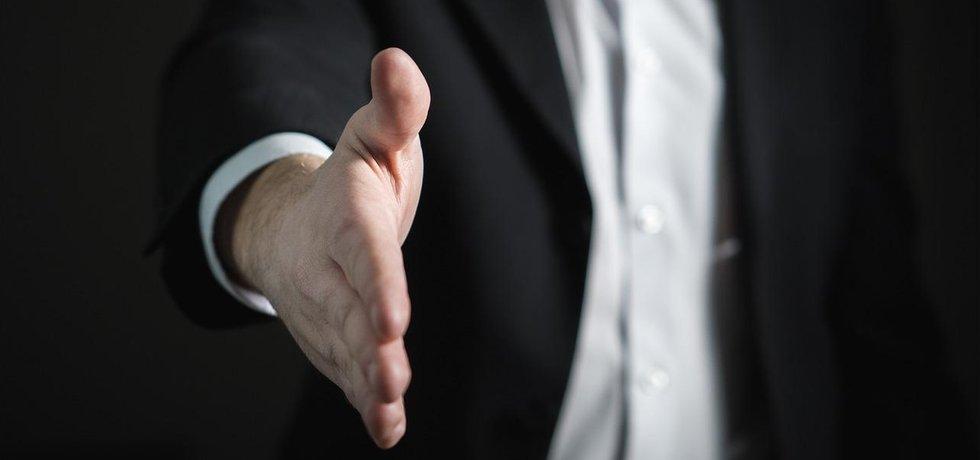 podání ruky, ilustrační foto