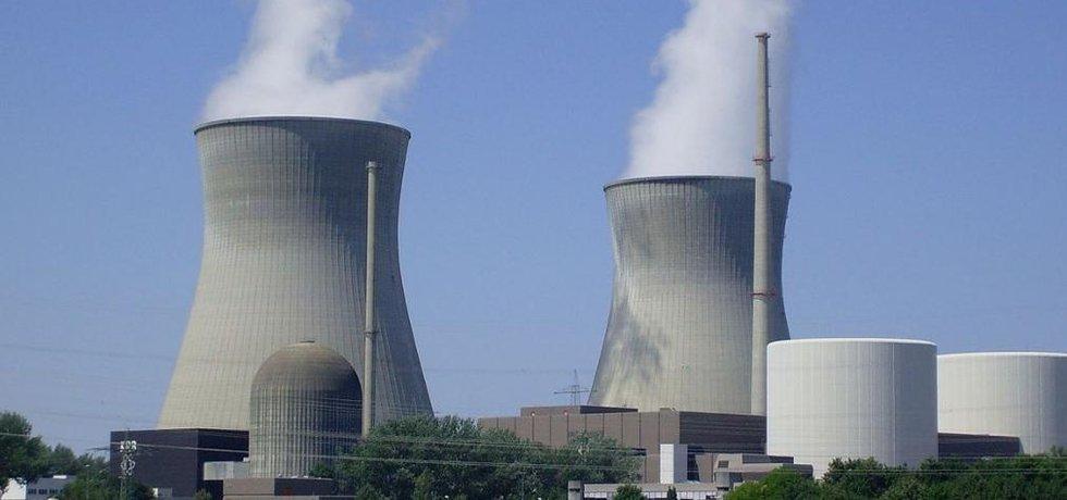 Jaderná elektrárna Gundremmingen v Bavorsku.